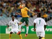 Tim Cahill giúp Australia thoát thua trước Nam Phi