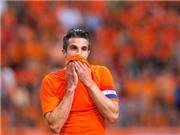 Van Persie chấn thương, van Gaal mất ngủ