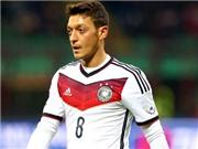 Joachim Loew có nên hy sinh Mesut Oezil?