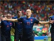 Van Persie và Robben tỏa sáng rực rỡ, Hà Lan hủy diệt TBN 5-1