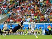 ẢNH CHẾ: 'Chuồn chuồn' Van Persie bay trên bầu trời Rio, đưa Hà Lan vào chốn thần tiên