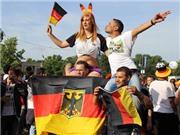 Ghi nhanh từ Berlin: Hừng hực khí thế trong ngày Đức 'vùi dập' Bồ Đào Nha