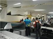 Cổ động viên Chile đập phá Trung tâm báo chí ở sân Maracana, một người bị thương