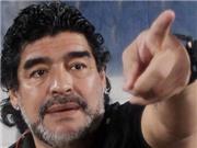 Maradona bị ngăn cản vào sân theo dõi trận đấu của Argentina