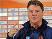 Van Gaal chỉ trích 'âm mưu' của FIFA