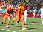 Bảng B: Hạ Chile 2-0, Hà Lan giành ngôi đầu. Thắng 3-0 Australia, Tây Ban Nha mỉm cười rời giải