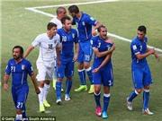 'Nạn nhân' của Suarez chỉ trích trọng tài thiên vị