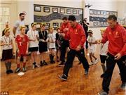 Robbie Fowler: 'Không thể tha thứ cho Luis Suarez'