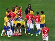 Howard Webb vướng vào tranh cãi giữa Brazil và Chile