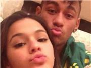 Bạn gái Neymar dính bầu?