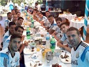 'Đột nhập' bếp ăn của đội tuyển Argentina: Có thực mới vực được... cúp