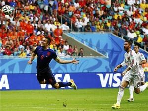 10 bàn thắng đẹp nhất ở World Cup 2014: Từ siêu phẩm của van Persie cho đến cú đánh gót của David Villa