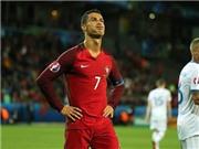 Ronaldo BẤT NGỜ lấy chỗ của Iniesta trong Đội hình tiêu biểu lượt trận thứ nhất vòng bảng của UEFA