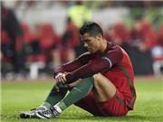 Ronaldo lại diễn trò 'ăn gian' chiều cao khi chụp ảnh