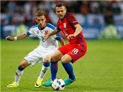 HLV Hodgson bảo vệ Wilshere sau trận hòa thất vọng trước Slovakia