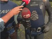 NHẬT KÝ EURO ngày 3/7: Vớt micro bị Ronaldo ném xuống hồ. Deschamps chối bỏ cáo buộc trong quá khứ