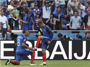 CẬN CẢNH quả 11m của tuyển Pháp trước Đức