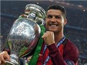 Họ nói về Ronaldo: 'Quý ông cơ bắp. Người không tuổi. Ngôi sao ở những trận cầu lớn'