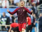 Quả bóng vàng rơi trúng Cristiano Ronaldo