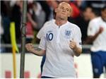 """Các """"đàn anh"""" lên tiếng bảo vệ Rooney"""
