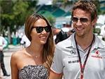 Bạn gái Jenson Button an toàn sau trận động đất ở Nhật Bản