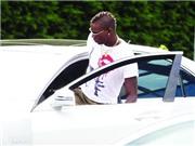 Balotelli bị đồng đội chơi khăm: Gieo gió ắt gặp bão