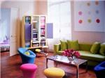 Xu hướng thiết kế nội thất đa sắc màu - color block