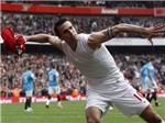 Robin van Persie cam kết tương lai với Arsenal