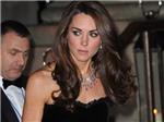 Công nương Kate sang trọng với váy đen