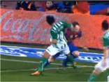 Iniesta: Thiên tài hay kẻ ăn vạ?