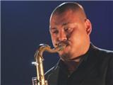 Nghệ sĩ saxophone Quyền Thiện Đắc với tuần trăng mật Jazz