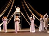NSND Lan Hương băn khoăn về việc sáp nhập hai nhà hát