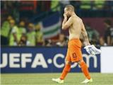 Sneijder xin lỗi người hâm mộ Hà Lan