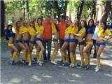 Dàn người mẫu Ukraina xuống đường kiếm tiền tại EURO