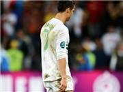 Khoảnh khắc của lòng dũng cảm: Ngày mà Ronaldo nhìn thấy sự bất công