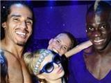 "Sau Ronaldo, đến lượt Balotelli ""vui vẻ"" cùng Paris Hilton"