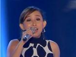 Cô gái hát 'Power of love' khiến giám khảo The Voice rung động