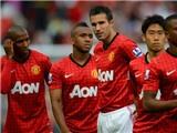 M.U 3-2 Fulham: Vidic phản lưới, Rooney đổ máu, M.U thắng chật vật