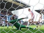 VIDEO: Bàn thắng gây tranh cãi của Crouch vào lưới Man City