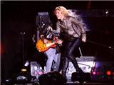 Người tình của Pique: Shakira chán ca hát, chuyển sang làm... báo?