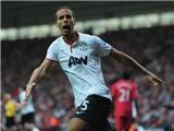 Roy Hodgson, hãy nhìn Ferdinand thi đấu kìa!
