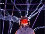 David Blaine kết thúc màn biểu diễn với dòng điện 1 triệu volt