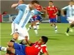 """VIDEO: Cú tắc bóng """"kinh hoàng"""" khiến Higuain chấn thương"""