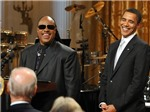 Obama giữ ghế Tổng thống bằng... âm nhạc