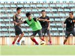 VIDEO: Thần may mắn từ chối bàn thắng của Lê Tấn Tài