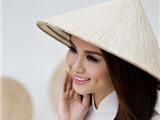 Diễm Hương mang áo dài, hình ảnh trống đồng đến Miss Universe