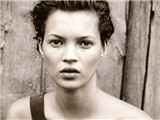 Kate Moss - Đằng sau cánh cửa đóng kín