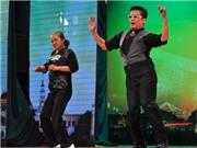 Chết cười MC Thanh Bạch nhảy Gangnam Style với bác gái 60 tuổi
