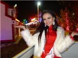 Diễm Hương mặc áo dài mừng Giáng sinh sớm