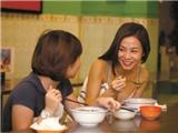 Theo chân sao Việt đi ăn vặt ở Sài Gòn (phần 1)